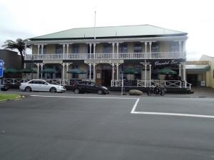 Raglan Hotel