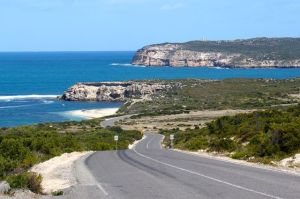 Driving into the Innes National Park