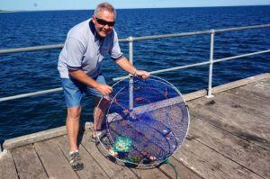 Rod crab hunting