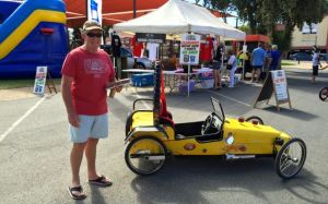 Rod at the 'kids' section of the Port Augusta Markets. Great cart!